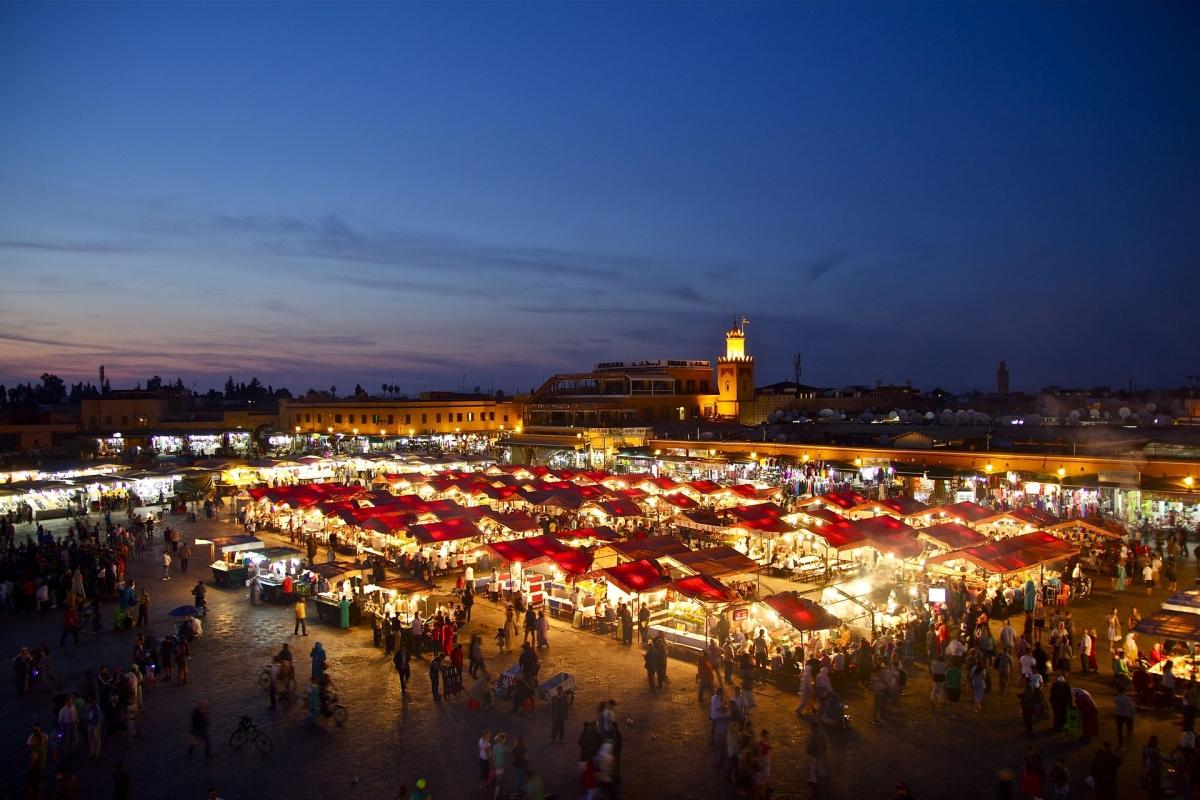 Marrakesh: a souk esti fényben