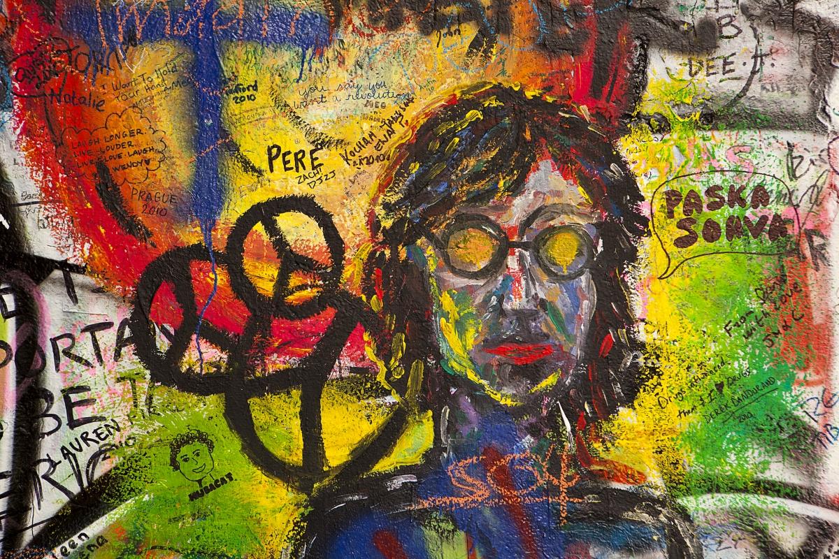 Graffiti a Lennon falon, Prágában