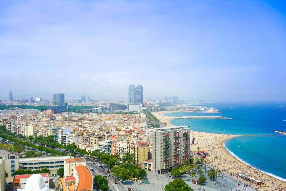 Pazar kilátópontok és a világ egyik legjobb városi strandja: ez is Barcelona