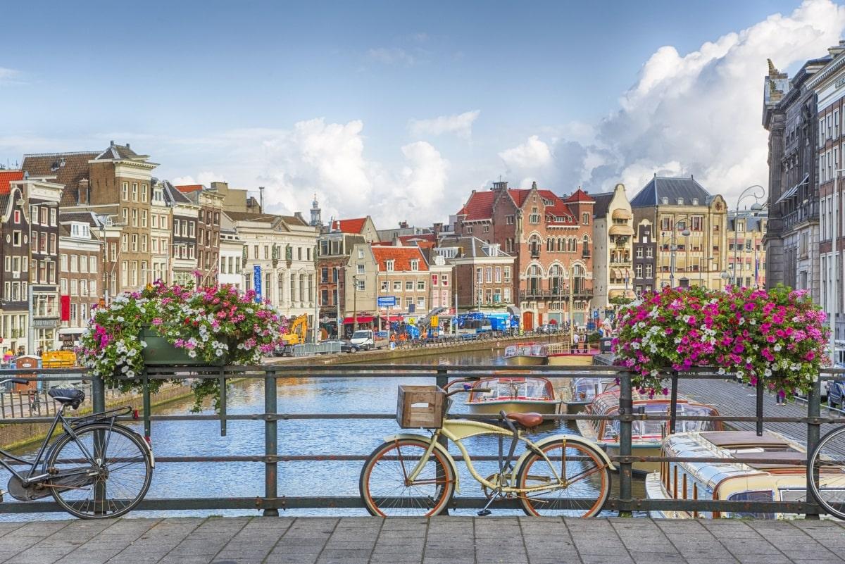 Amszterdam-csatorna-bicikli